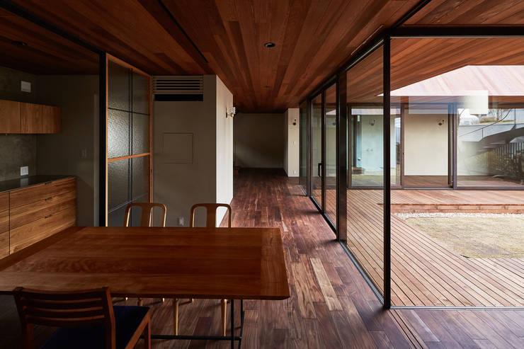 Salas de jantar  por 武藤圭太郎建築設計事務所
