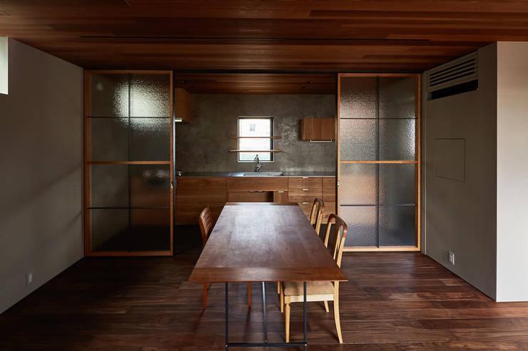 Cozinhas  por 武藤圭太郎建築設計事務所