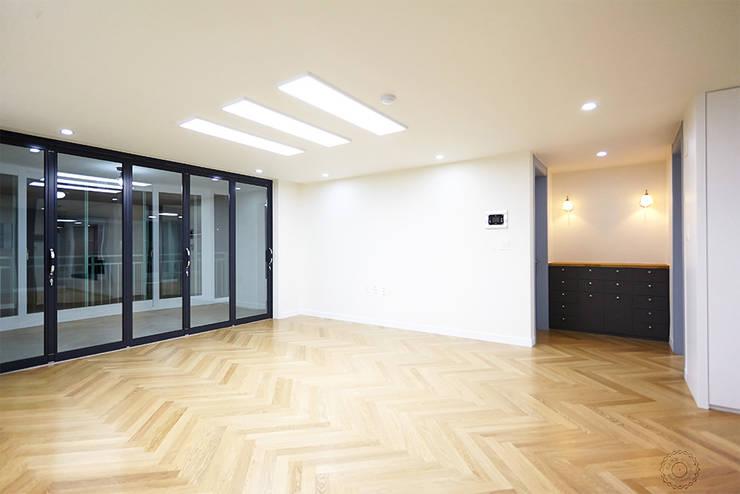 classic Living room by 제이앤예림design