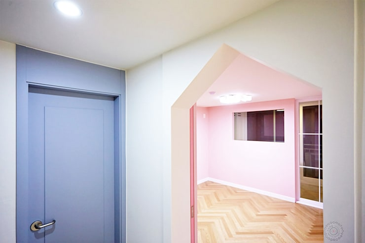 classic Nursery/kid's room by 제이앤예림design