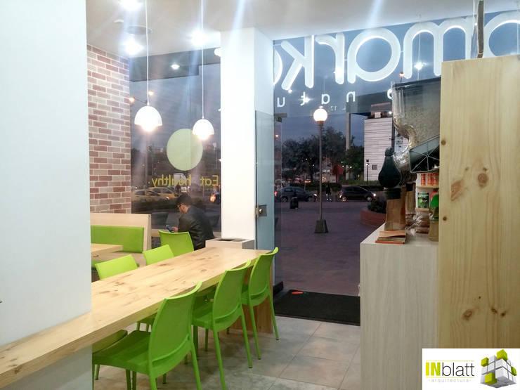 Diseño Arquitectónico y Remodelación de la tienda Biomarket Salitre:  de estilo  por INblatt _Arquitectura, Rústico
