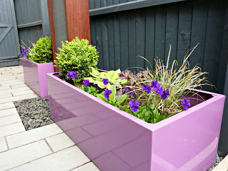 Bespoke, galvanised powder coated planters :  Garden by Gardenplan Design