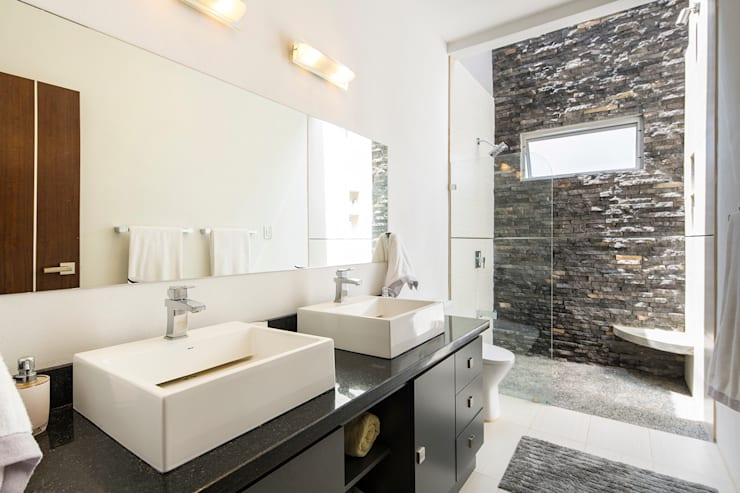Baño dormitorio principal: Baños de estilo  de J-M arquitectura