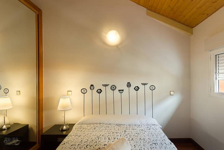 Masterbed: Hotéis  por Pedro Brás - Fotógrafo de Interiores e Arquitectura | Hotelaria | Alojamento Local | Imobiliárias