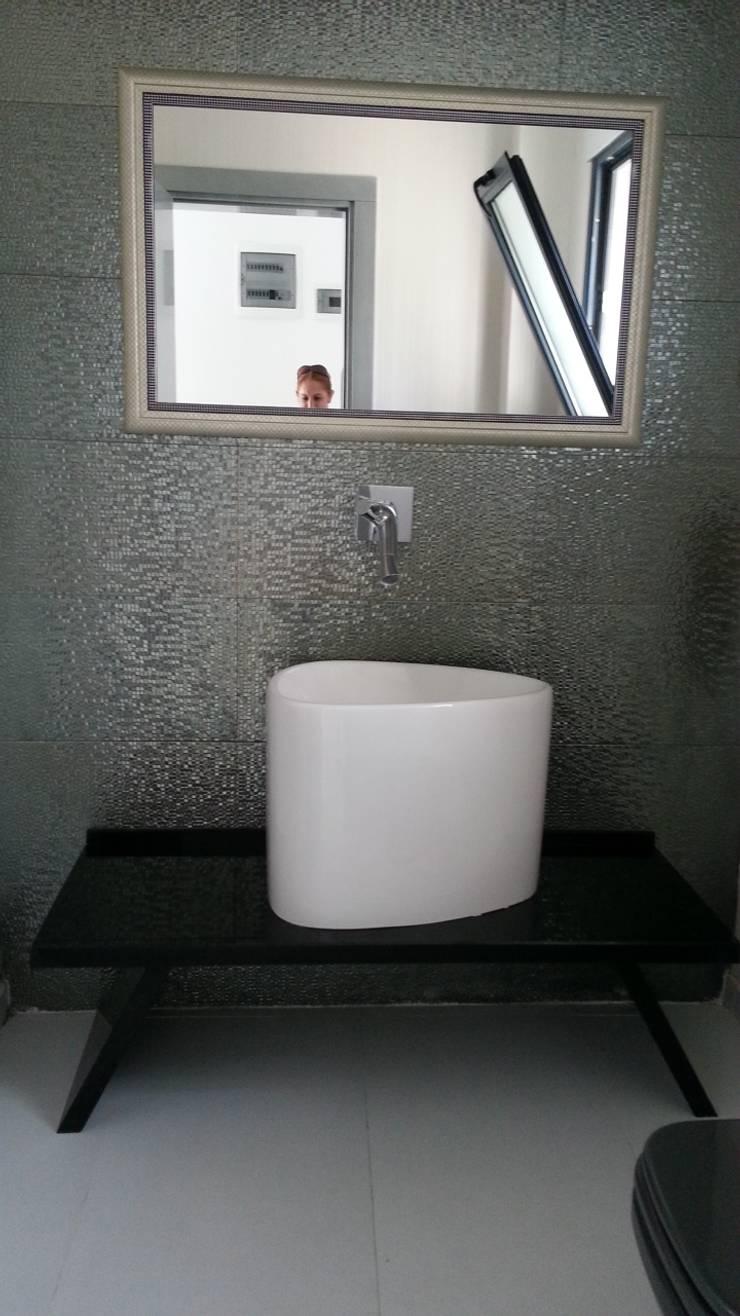 SAYTAS SABUNCUOGLU YAPI VE TIC.LTD.STI. – ON THE BEACH III / BODRUM:  tarz Banyo, Modern