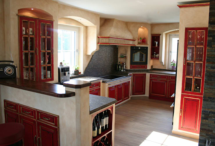 Kitchen by Villa Medici - Landhauskuechen aus Aschheim
