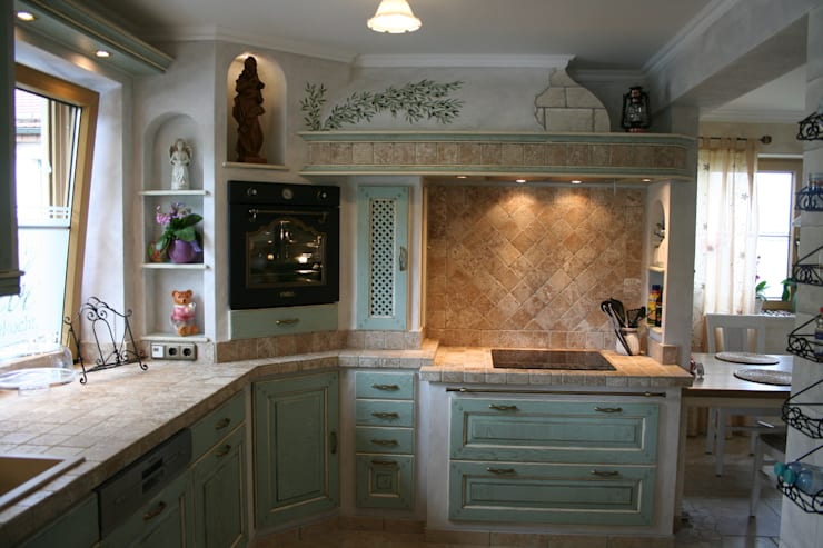 Built-in kitchens by Villa Medici