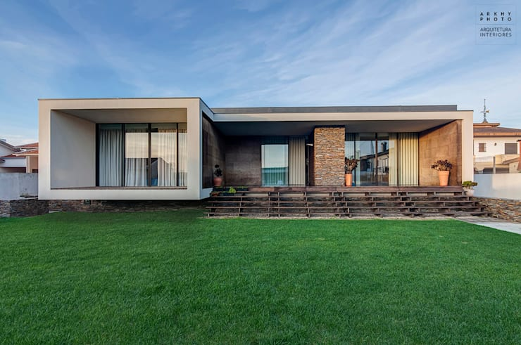 Casas de estilo  por ARKHY PHOTO