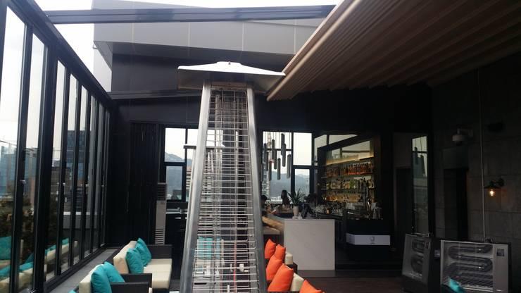 명동 롯데 호텔 21층 루프탑바 설치전경 ( lotte L 7 hotel    21st floor  rooftop bar   : novo skyawning): 실링하우스 ( ceilinghouse)의