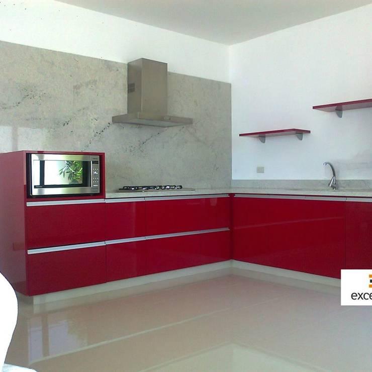 cocina:  de estilo  por Excellence Cocinas & Closets