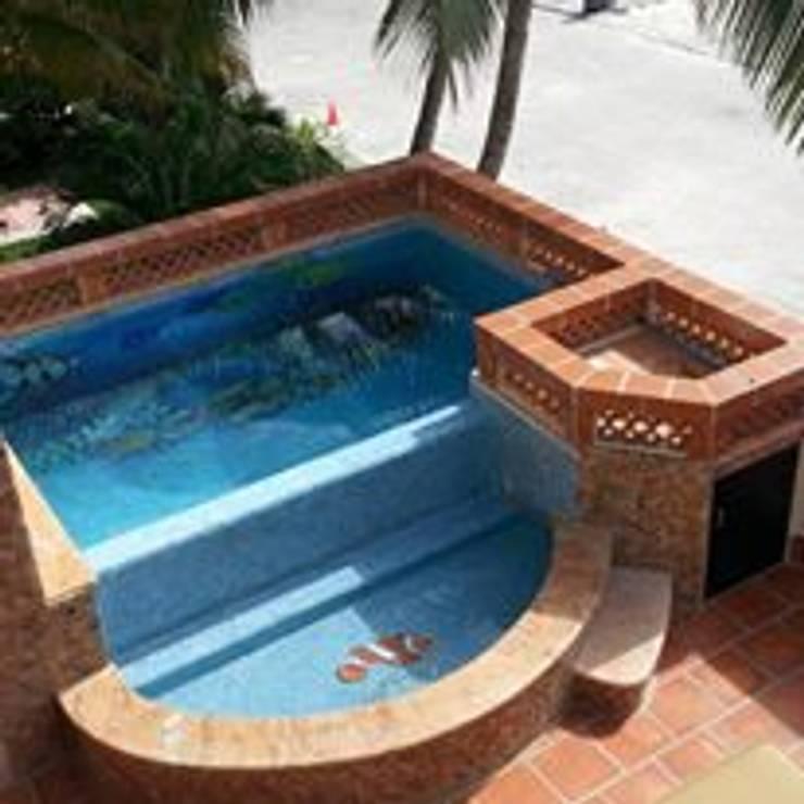 piscinas: Jardines de estilo  por Doctor Pool Mx