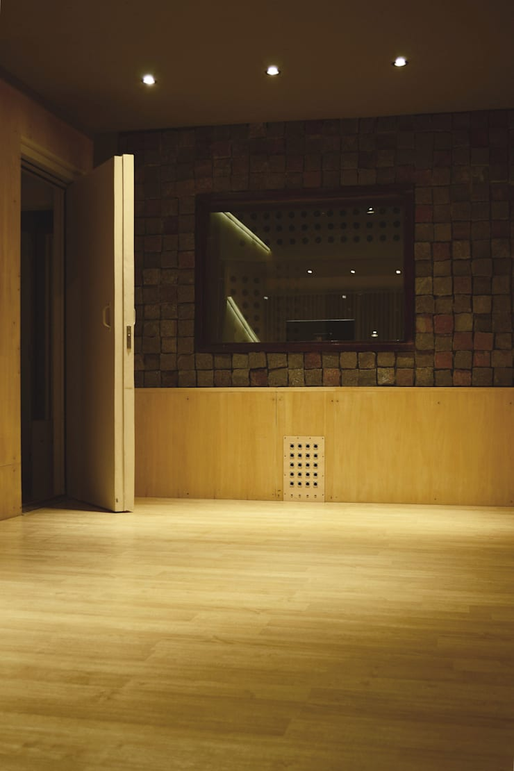 Interior: Oficinas y Tiendas de estilo  por MLL arquitecta