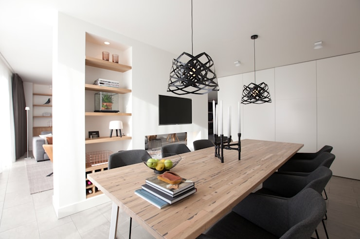 Dining room by Interieur Design by Nicole & Fleur
