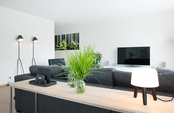 Het ontwerp en realisatie van een woonkamer door Interieur Design by ...