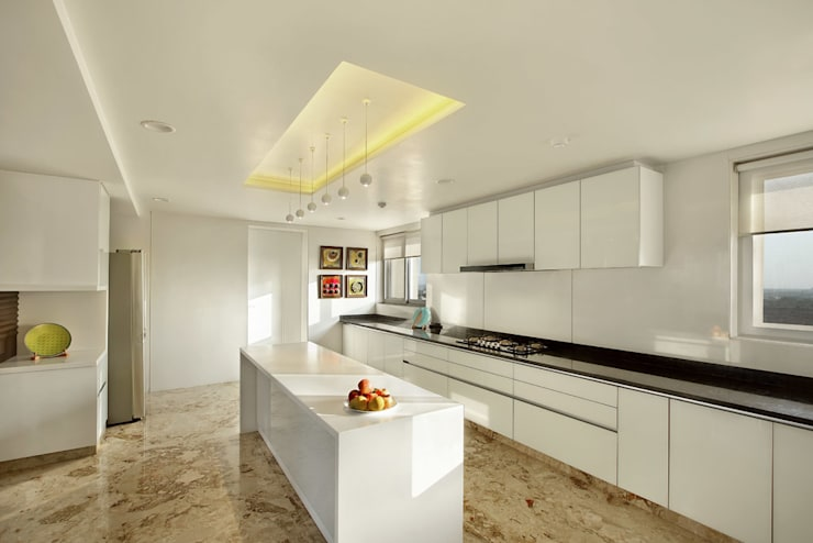 Nikhil patel residence:  Kitchen by Dipen Gada & Associates