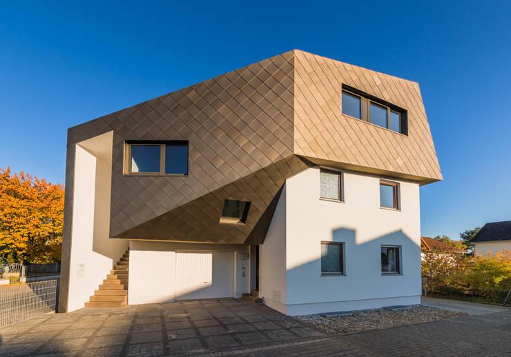 Projekty, eklektyczne Domy zaprojektowane przez Helwig Haus und Raum Planungs GmbH