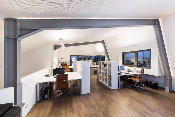 modern Study/office by Helwig Haus und Raum Planungs GmbH