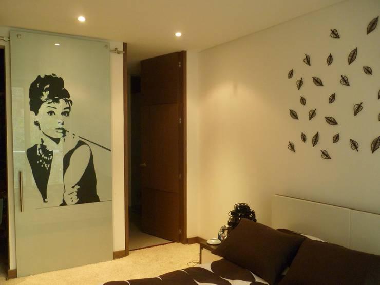 APTO 705 Peñas Blancas: Salas de estilo moderno por 57uno Arquitectura