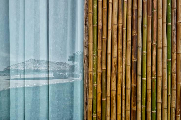 CASA EN PLAYA DEL CARMEN: Casas de estilo  por YUPANA Arquitectos