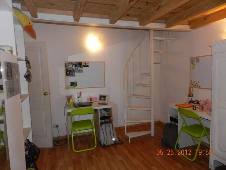 Planta Baja - Sector Estudio: Dormitorios de estilo  por Arq Andrea Mei   - C O M E I -