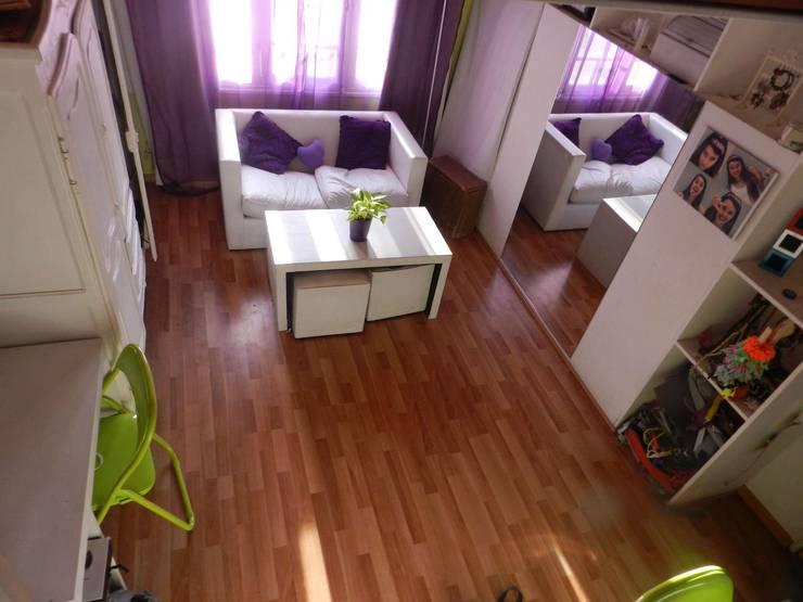 Desde la Escalera: Dormitorios de estilo  por Arq Andrea Mei   - C O M E I -