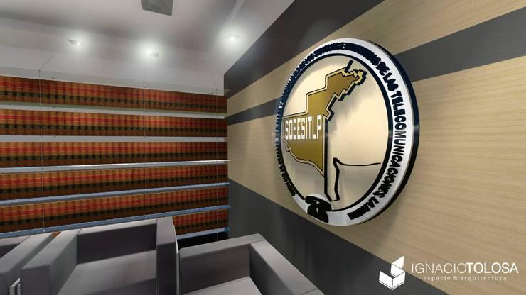 Sala de Reuniones: Estudios y oficinas de estilo  por Ignacio Tolosa Arquitectura,