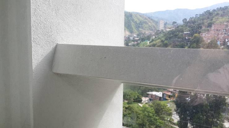 Colegio Camilo Mora: Casas de estilo  por Analema Construccion y Acabados