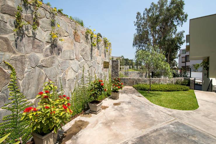Projekty,  Ogród zaprojektowane przez NIKOLAS BRICEÑO arquitecto