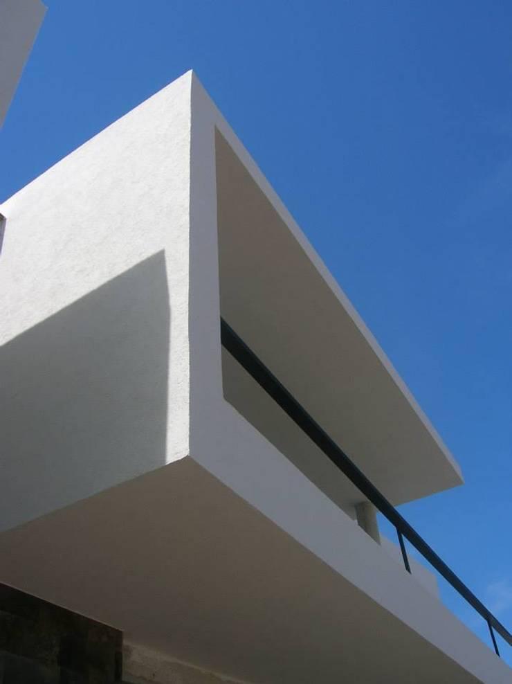 Houses by Estudio Arquitectura Agustín Duarte
