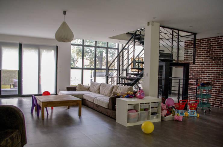 Salas de estar minimalistas por Daniel architectes