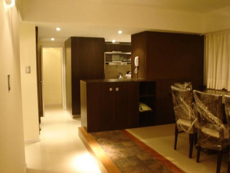 Remodelación Departamento en Cabo Corrientes: Comedores de estilo  por ArqmdP - Arquitectura + Diseño
