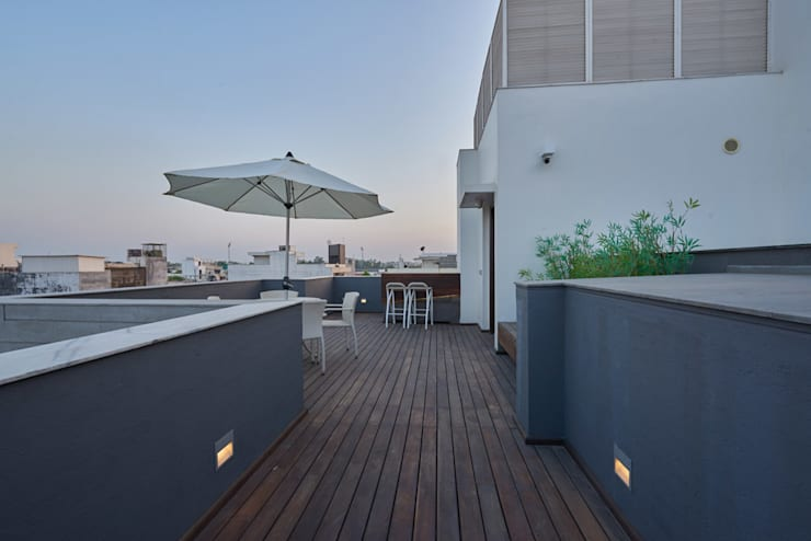 A courtyard house:  Terrace by eSpaces Architects