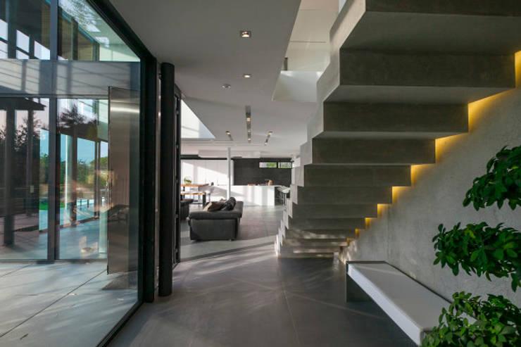 Projekty,  Korytarz, przedpokój zaprojektowane przez didier becchetti architectes