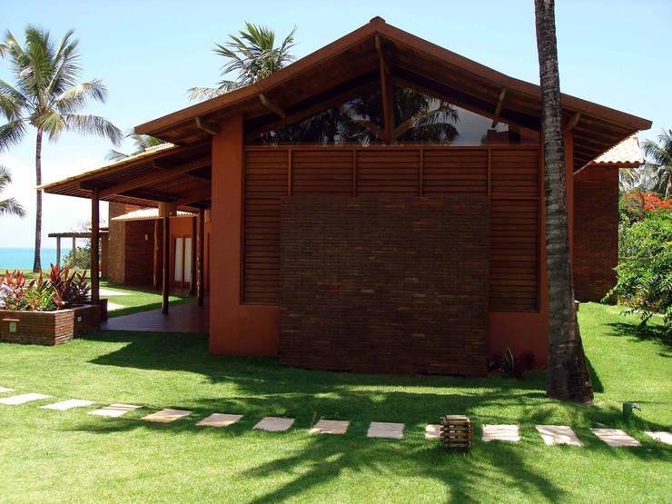 Casas de estilo moderno por bp arquitetura
