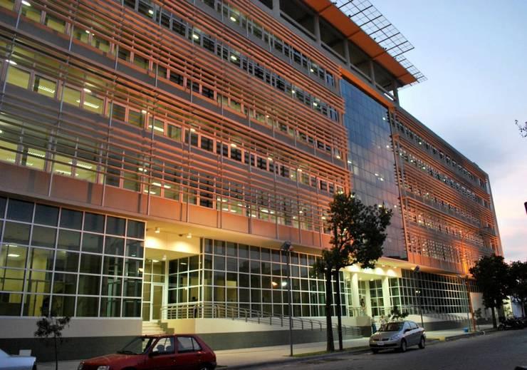 Obra Palacio de Tribunales Santiago del Estero: Edificios de Oficinas de estilo  por Estudio Messad Arquitectos,Moderno