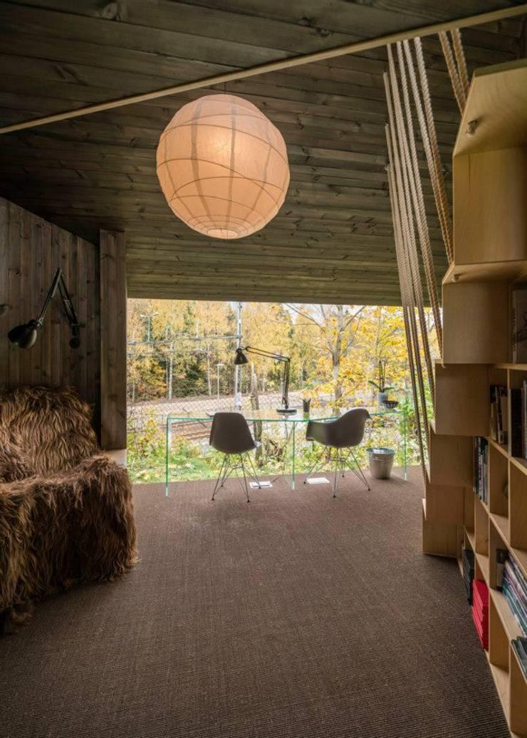 Optimización de los espacios: Livings de estilo  por Ace Disegno
