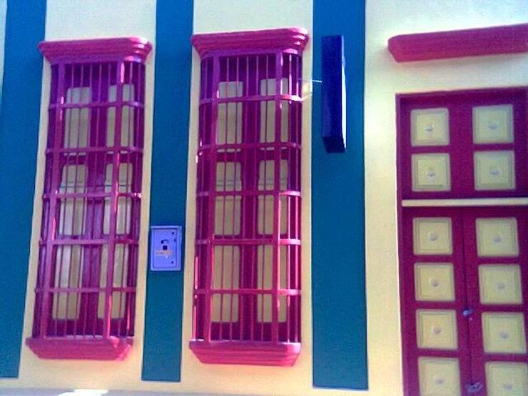 Sede Grupo de Teatro Mampara: Salones de eventos de estilo  por Dogma Arquitectura