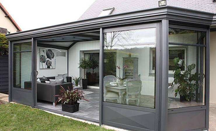 Projekty, nowoczesne Domy zaprojektowane przez MDR createur d'espace