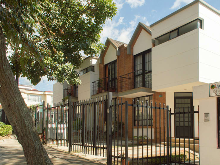 Casa 1: Casas de estilo  por Aca de Colombia