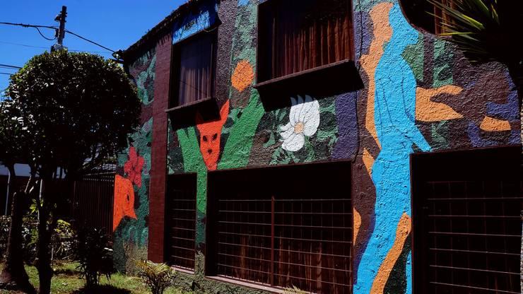 Mural: Casas de estilo moderno por MUTA BOR studio