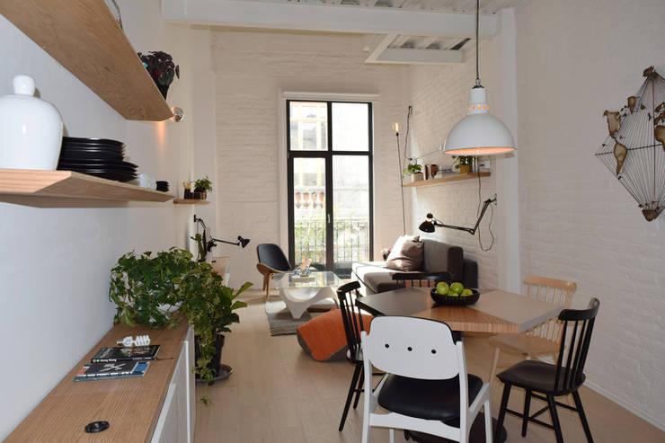 Donceles 18: Salas de estilo  por Germán Velasco Arquitectos