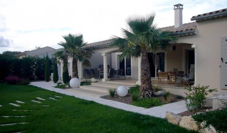 Rumah by Bellerive Jardin