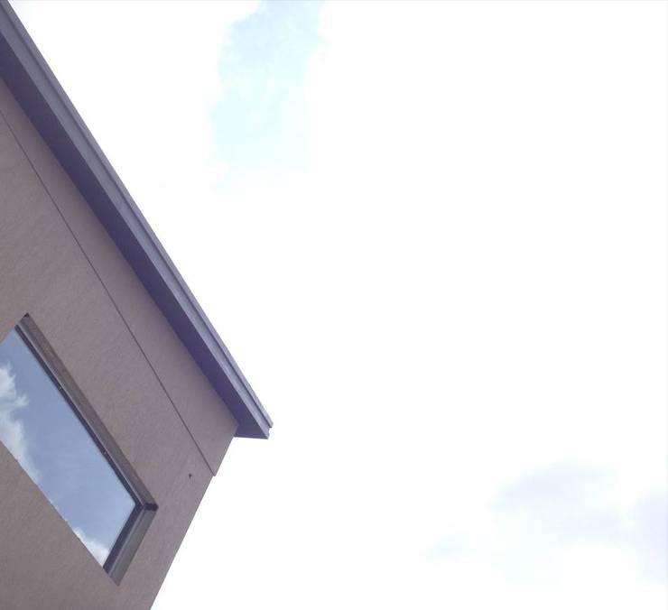 Proyectos : Edificios de Oficinas de estilo  por ROGER ZAGO ARQUITECTURA
