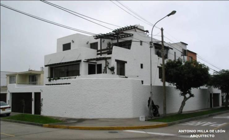 Casas de estilo  por Antonio Milla De León Arquitecto