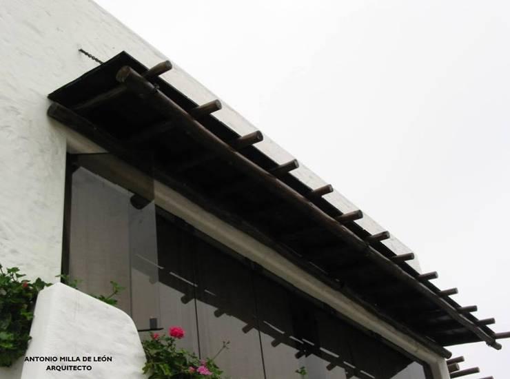 Terrazas de estilo  por Antonio Milla De León Arquitecto