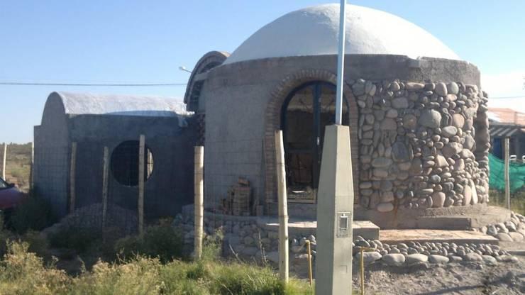Obra tipo bóveda en proceso Casas rurales de Arq. Hernán Fernando Arancibia Rural