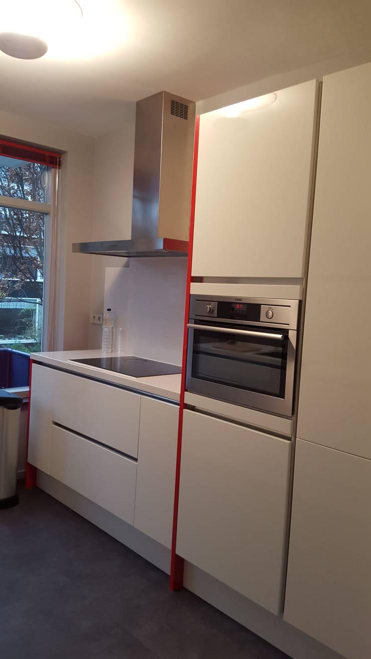 Kookgedeelte keuken:  Keuken door Interieurarchitect Selma van der Velden-Artun, Modern