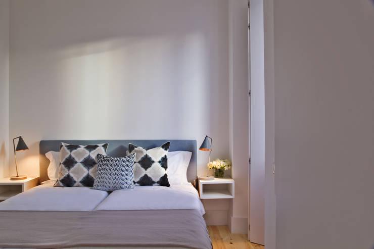 Edifício Combro 77: Quarto  por Pureza Magalhães, Arquitectura e Design de Interiores