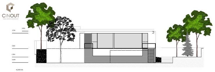 Moradia em Construção: Casas  por CINOUT - Obras, Design e Manutenção Lda.