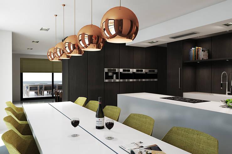 Villa Paramaribo:  Keuken door Designa Interieur & Architectuur BNA
